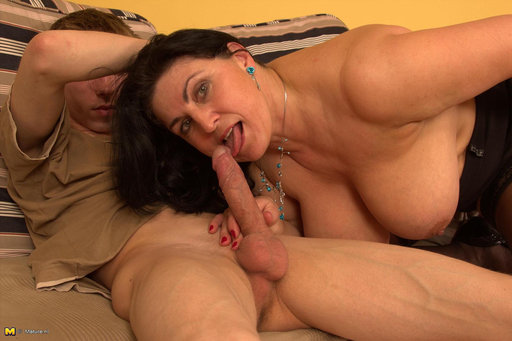 Секс фото опитних мамочке